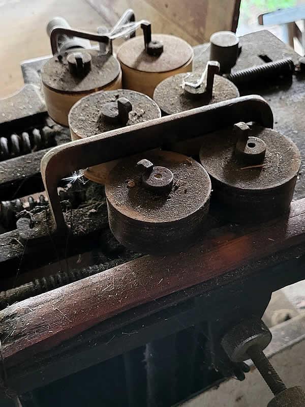 流鏑馬笠の柾竹ヒゴ機械