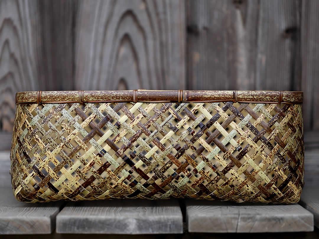 日本唯一の虎竹で復刻させた伝統の竹細工虎竹四ツ目衣装籠
