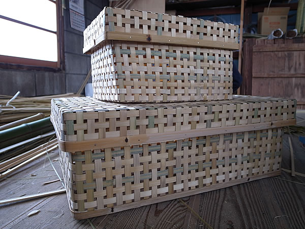 竹編みの箱