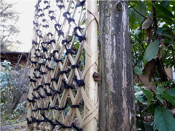 白竹枝折り戸