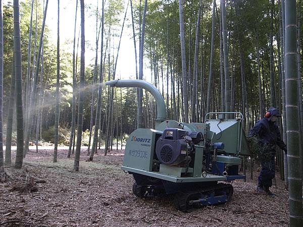 竹の粉砕機
