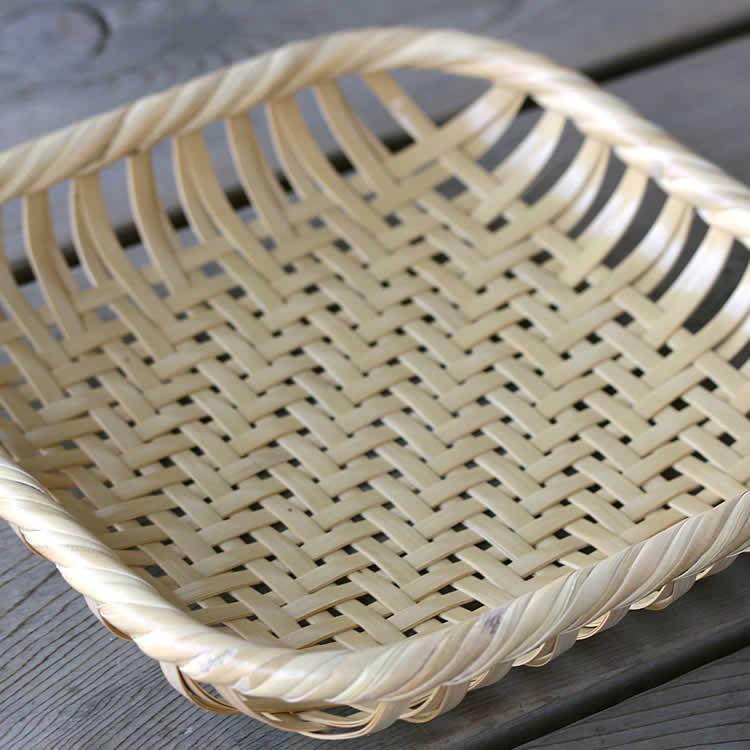 白竹四角盛り籠