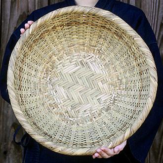 篠竹底編み足付ざる
