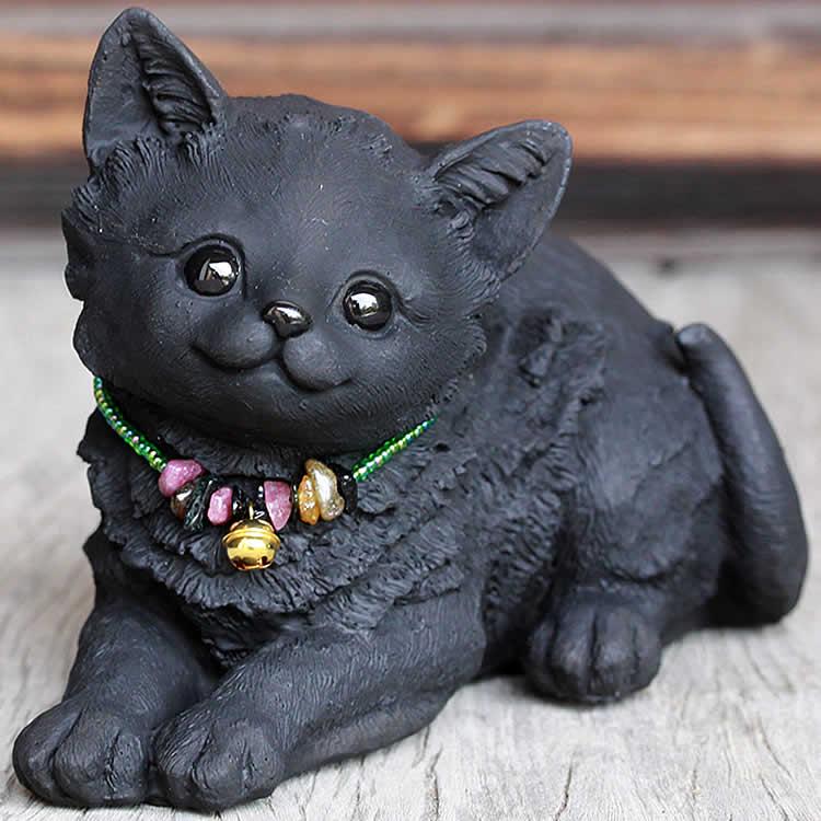 竹炭のふせネコちゃん