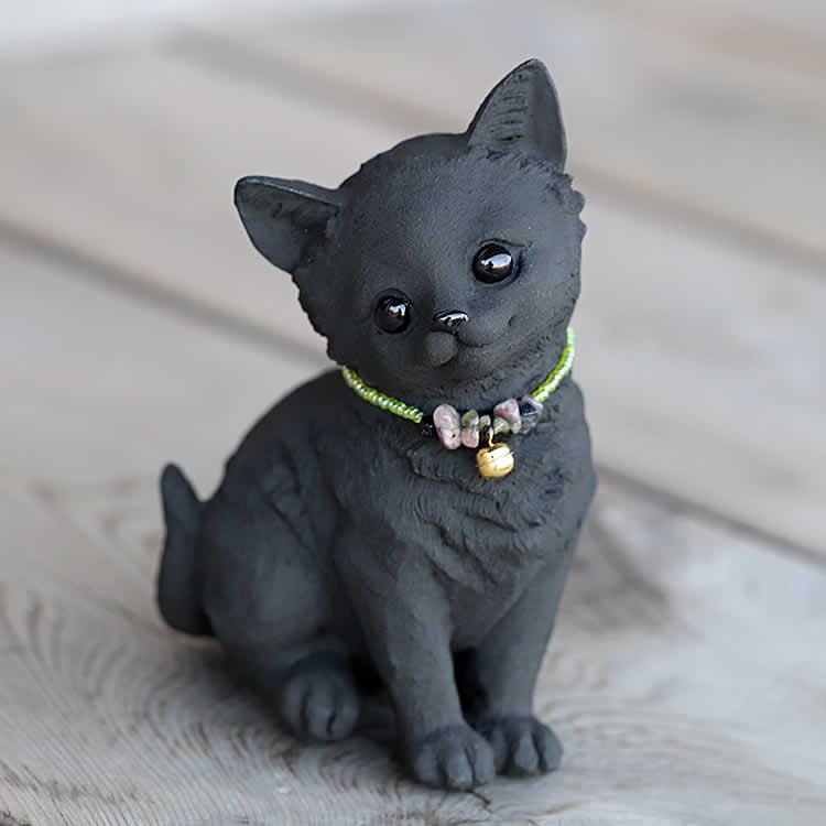 竹炭のお座りネコちゃん(子猫)