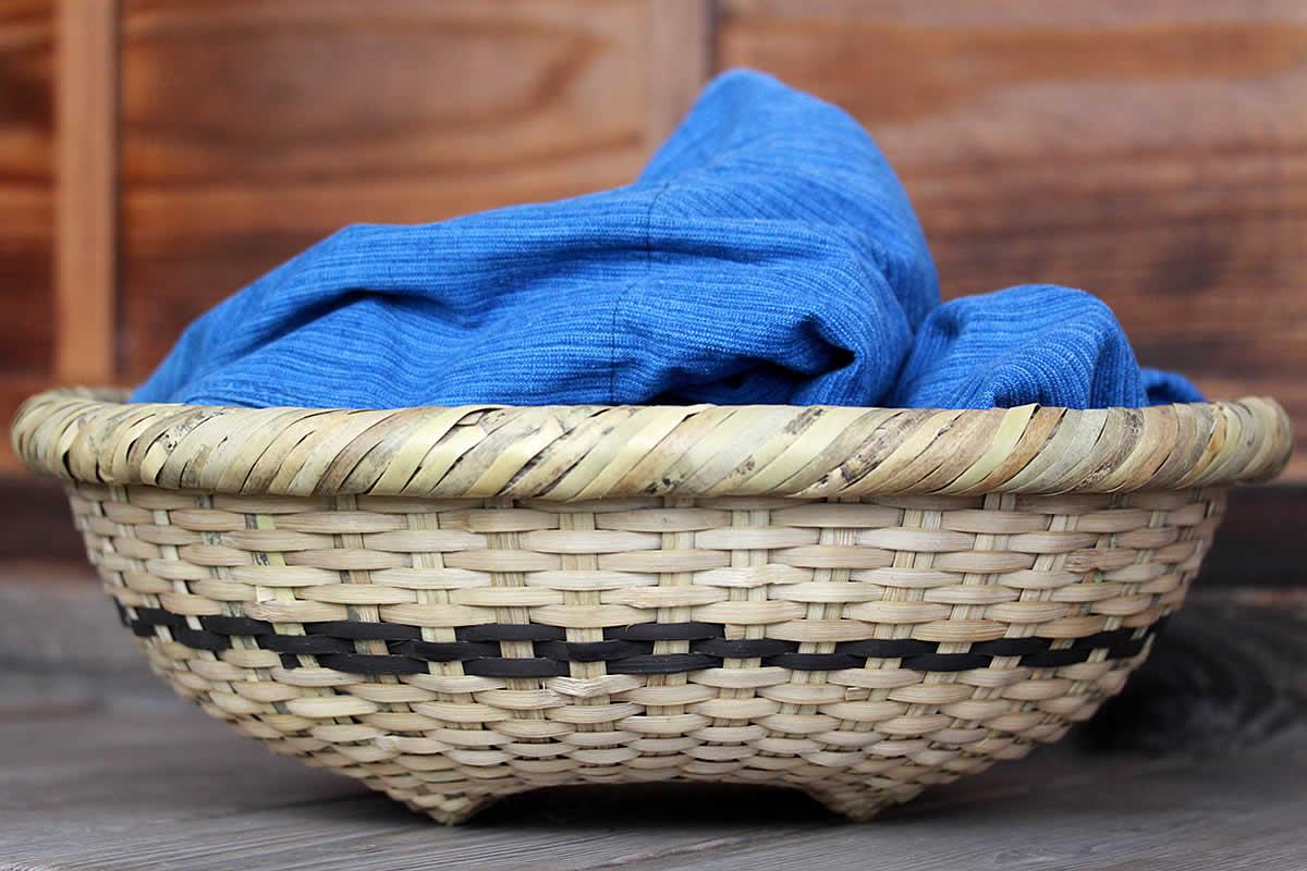 黒の竹編み
