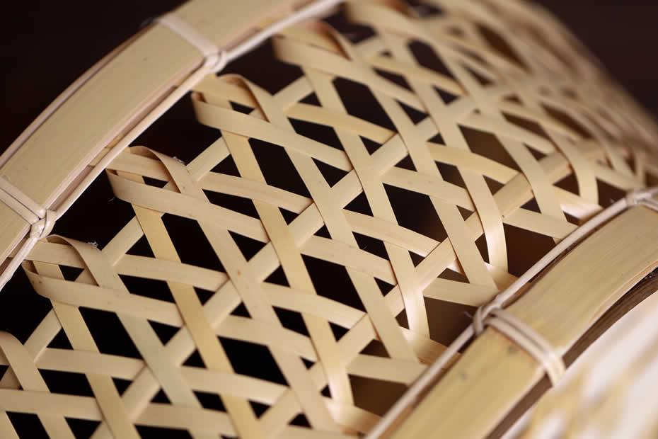白竹六角足付椀籠,竹編み