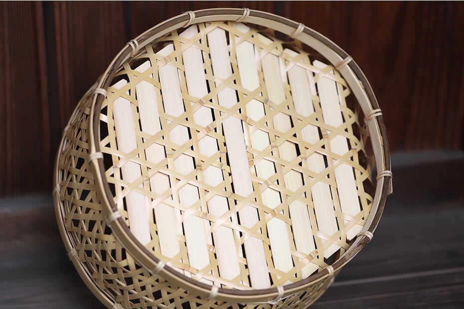 白竹六角足付椀籠,底面