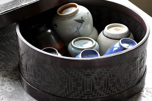 黒塗り茶櫃