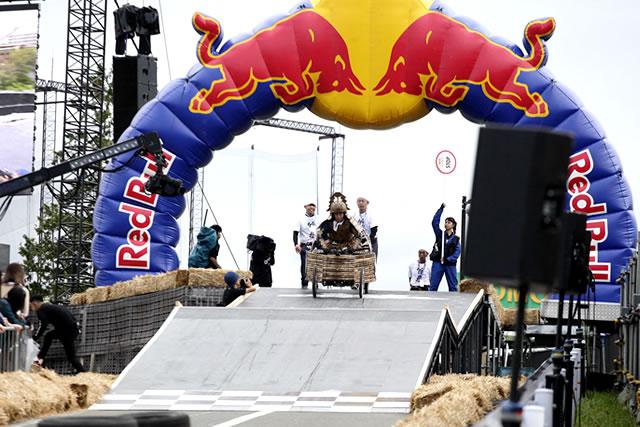 竹虎が初出場で準優勝!よみうりランドで開催のRED BULL BOX CART RACE