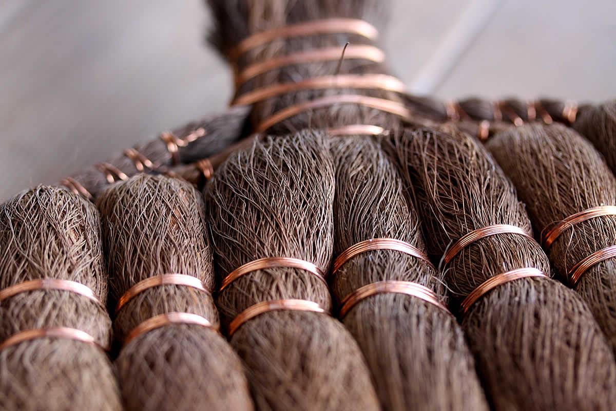 棕櫚箒(シュロほうき)、銅線巻き