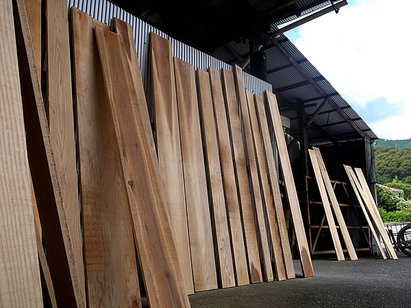 えびら用の杉板