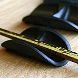 竹炭箸置き(扇舟)