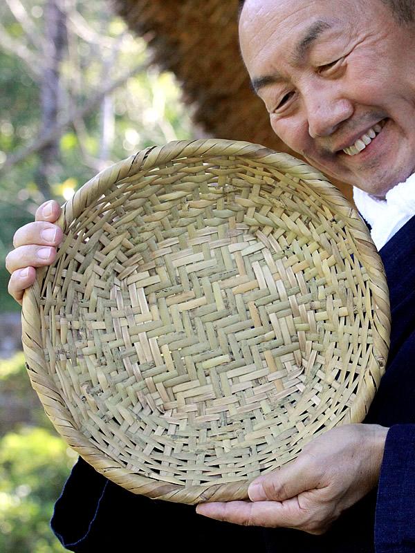 竹虎四代目と篠竹底編み足付ざる